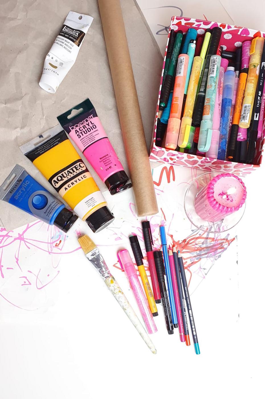 Geschenke alternativ verpacken mit eigenem Geschenkpapier - Julia Fremder